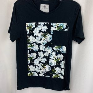 On the BYAS Flower Printed Short-Sleeve Pocket Tee